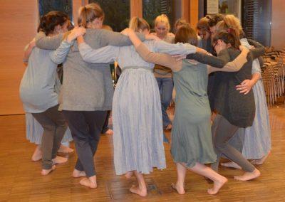Brundibár - Probe Tanzen im Kreis